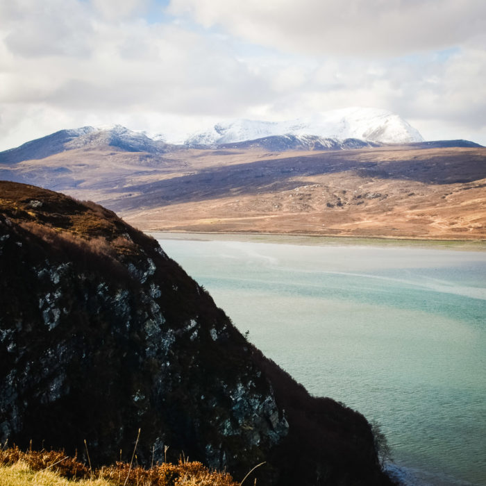 Blue sea entering the kyle of tongue Montains Kyle of Tongue, North of Scotland taken by Milie Del