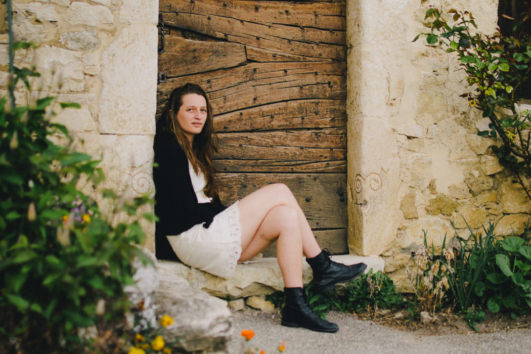 Fashion vsco style portrait of a girl taken by Milie Del