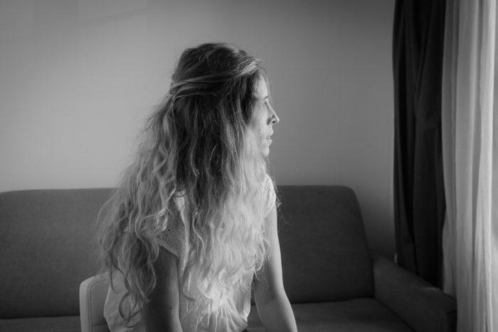 portrait noir blanc long cheveux paris